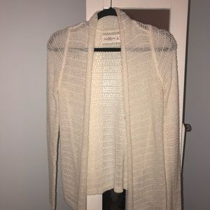 White knitted cardigan from Abercrombie & Fitch